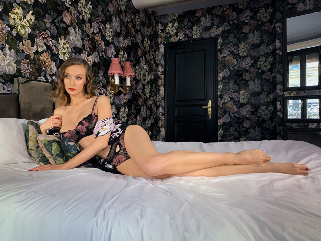 Parisian Pinup Audrey's Virtual Boudoir Shoot in a Decadent Paris Hotel La Mondaine with UK boudoir photographer Tigz Rice Ltd 2021. https://www.tigzrice.com