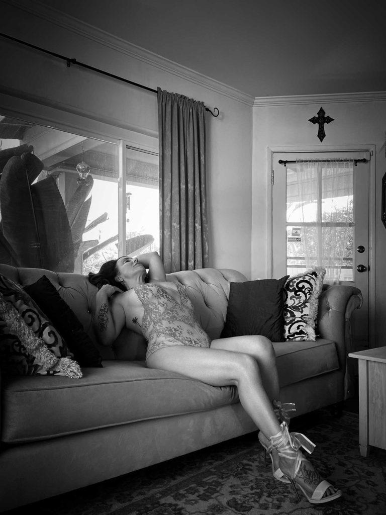 LA Shygirl's Virtual Boudoir Shoot with UK Boudoir Photographer Tigz Rice Ltd 2021.