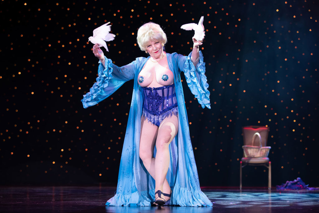 62nd Annual Titans Of Tease Showcase at Burlesque Hall of Fame 2019 © Tigz Rice Ltd 2019. https://www.tigzrice.com