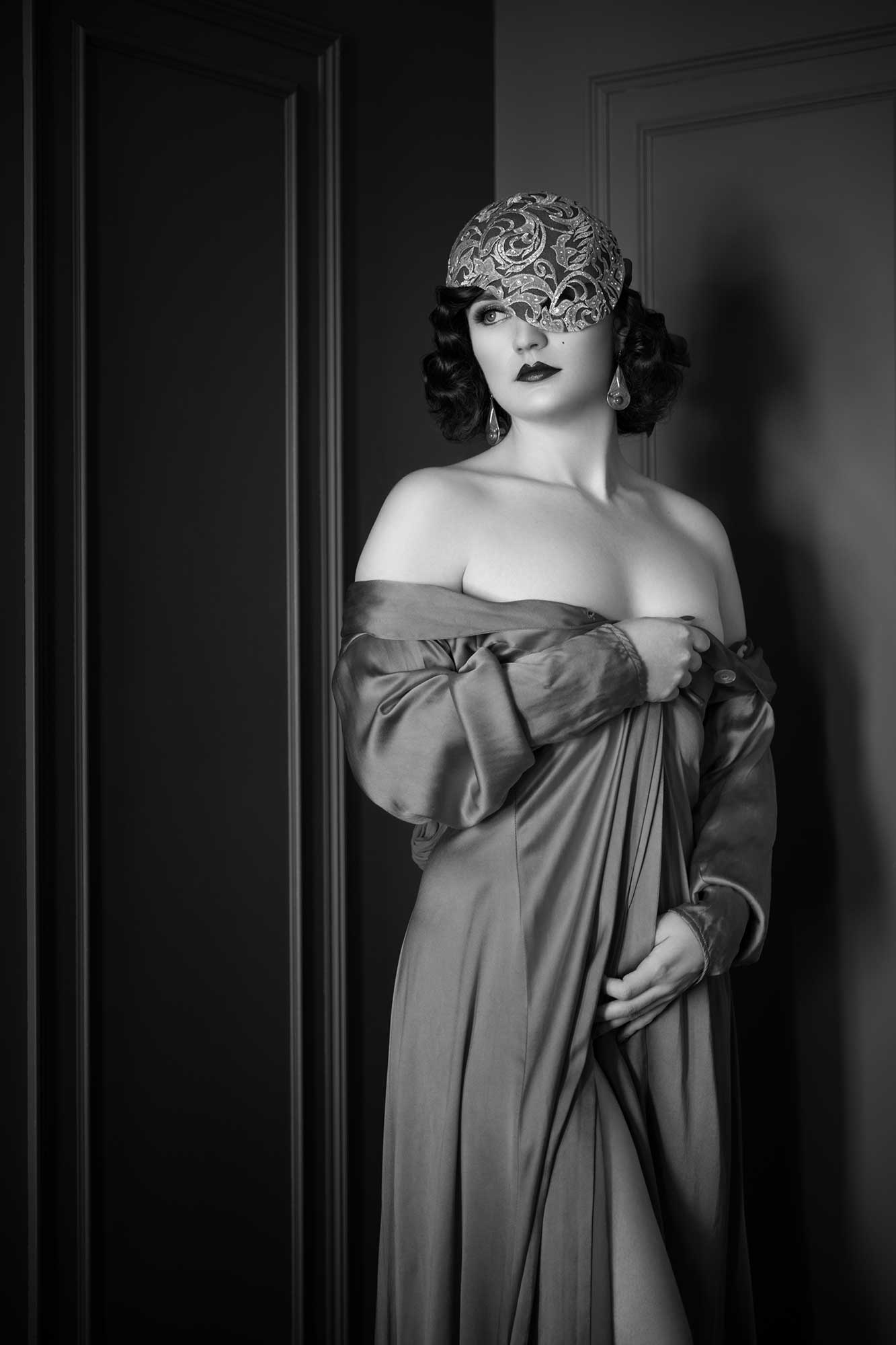 Contact lingerie and boudoir photography expert Tigz Rice