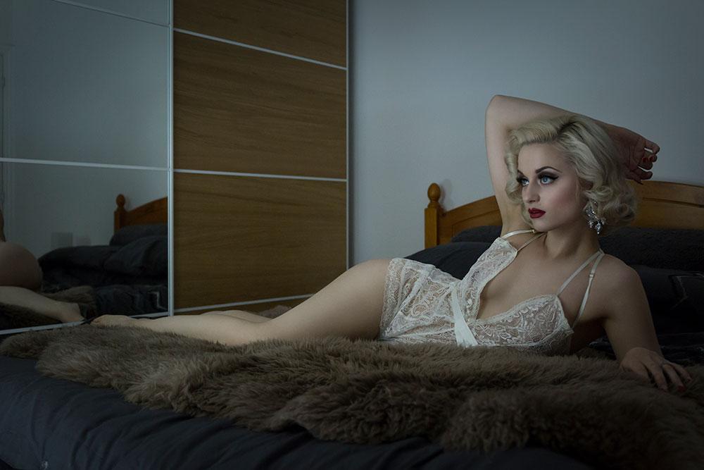 Editorial Boudoir Shoot with Didi Derriere © Tigz Rice Studios 2016. https://www.tigzrice.com