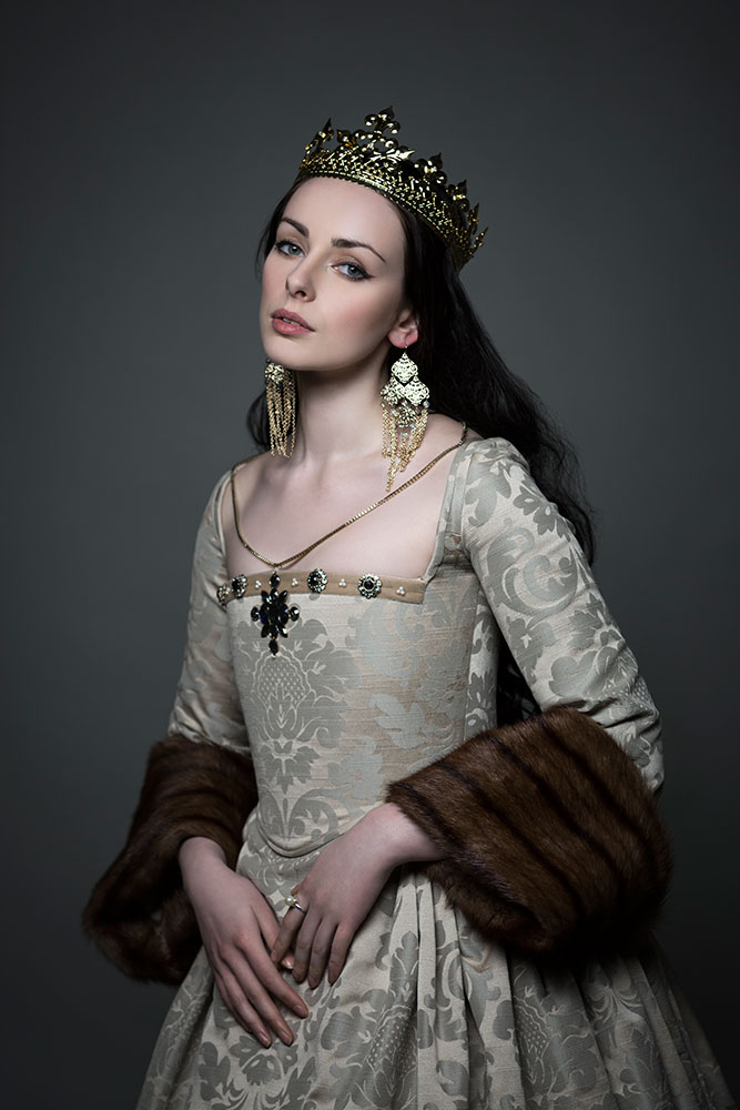 Tudor Gowns Historical Corsetry Shoot with Liv Free / Elisabeth Armstrong © Tigz Rice Studios 2016.