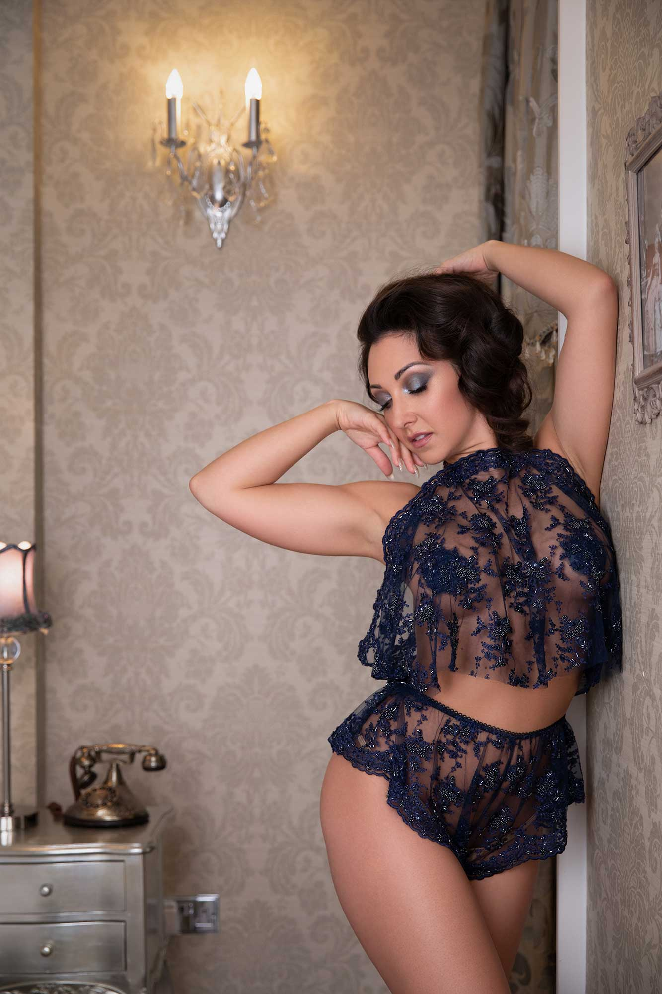 editorial brand shoot with burlesque star immodesty blaze, boudoir photography
