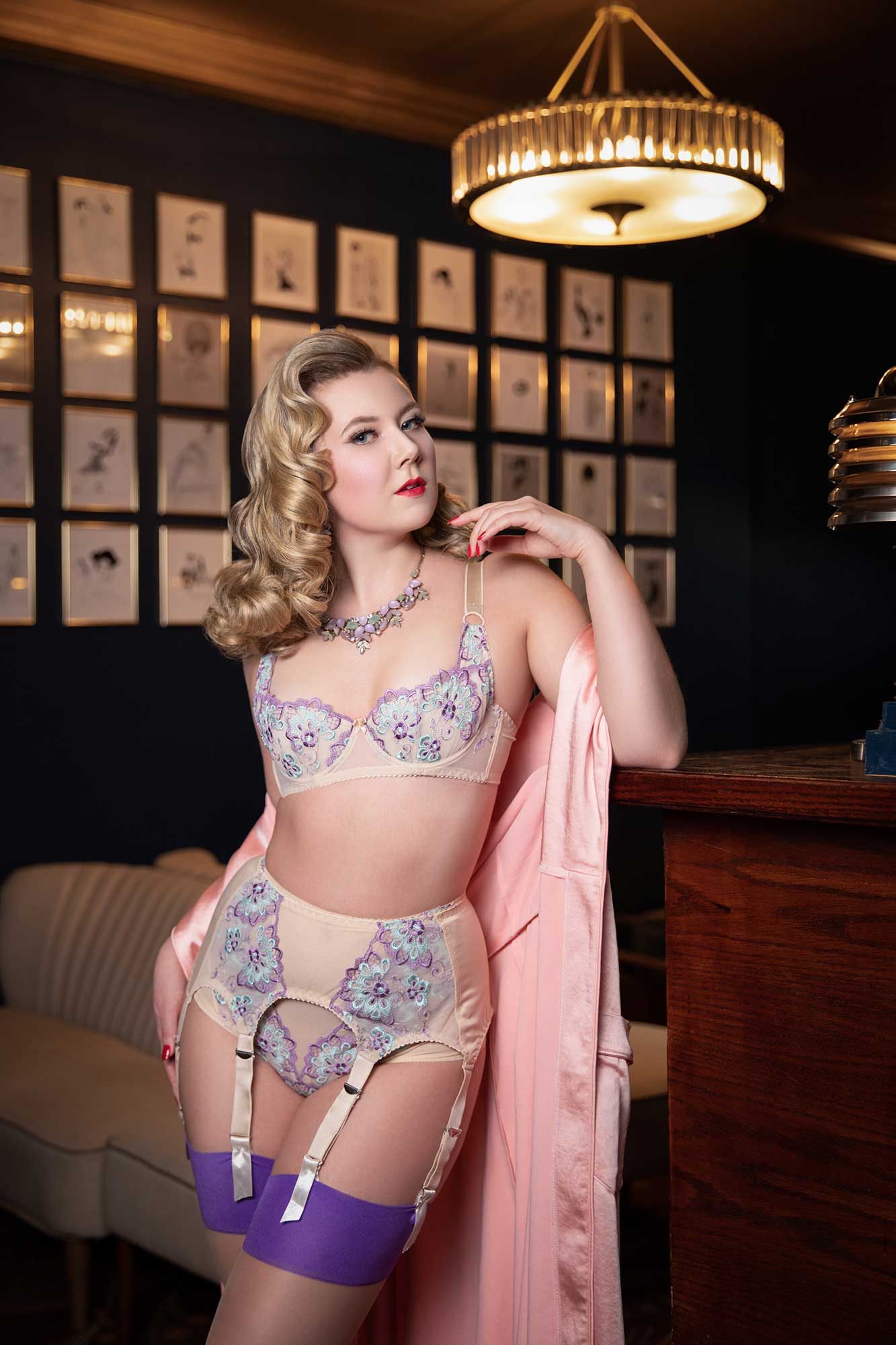 Norway pinup Penny Heartbleed Photographed at Fontaine's with hair by Missy Victory Violet and Make Up by Miss Honey Bare © UK Boudoir Photographer Tigz Rice Ltd 2019. https://www.tigzrice.com