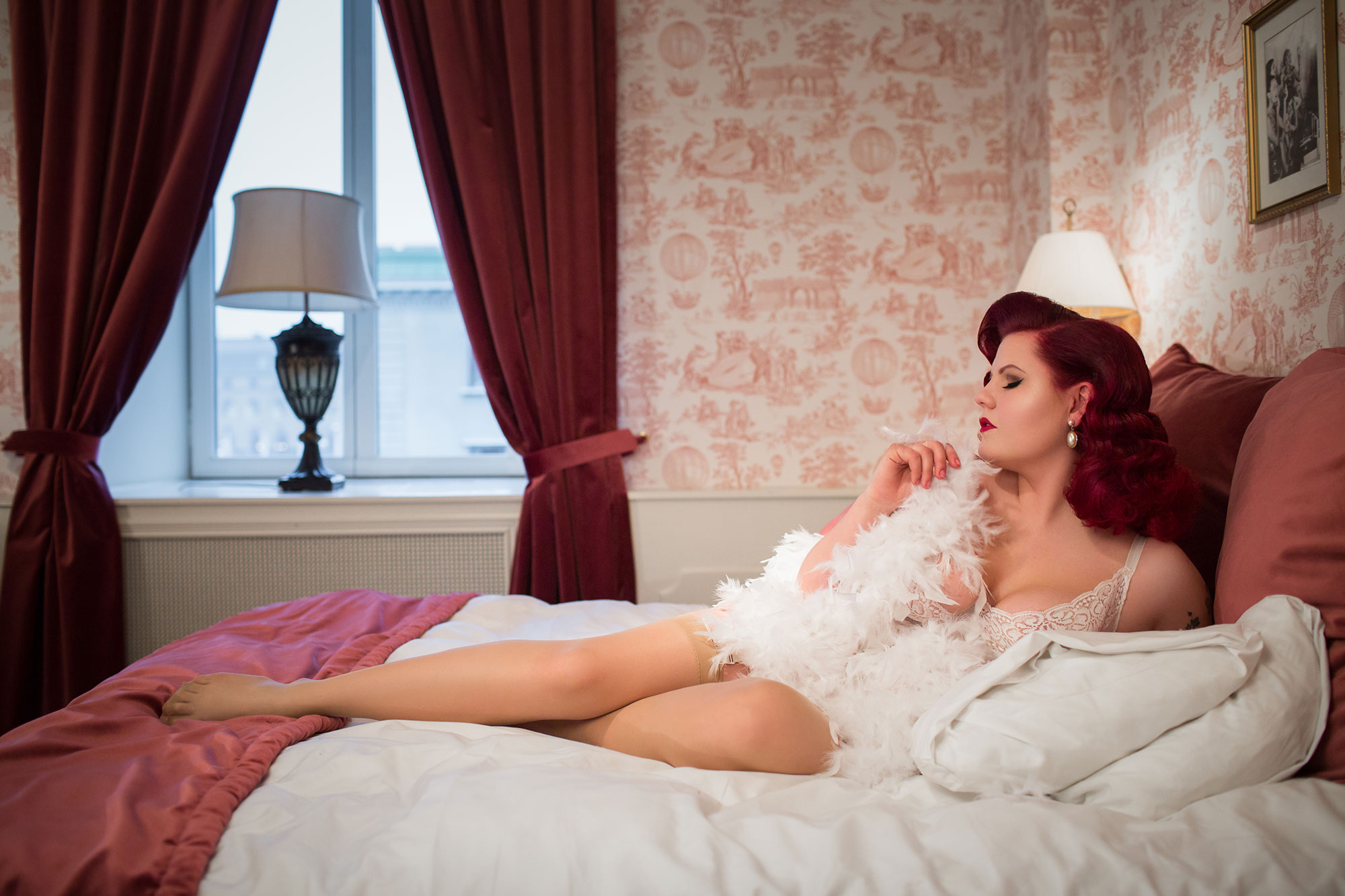 Mimi Le Rouge vintage boudoir makeover Hotel Pigalle Gothenburg © Tigz Rice 2018. https://www.tigzrice.com
