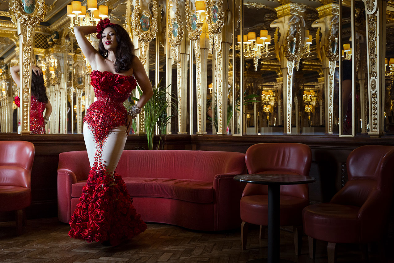 Burlesque showgirl Immodesty Blaize wearing Whitechapel Workhouse at Hotel Cafe Royal © Tigz Rice Studios 2016. http://www.tigzrice.com