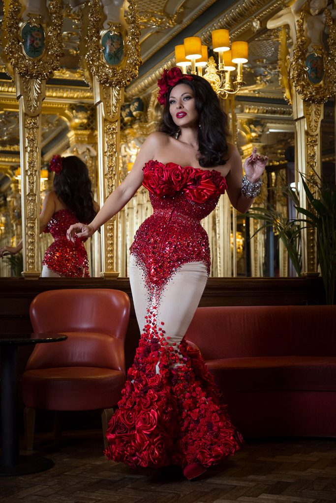 Burlesque showgirl Immodesty Blaize wearing Whitechapel Workhouse at Hotel Cafe Royal © Tigz Rice Studios 2016. https://www.tigzrice.com