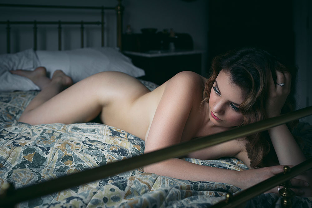 Joanna Woodward boudoir art nude series 'voyeur' © Tigz Rice Studios 2016. https://www.tigzrice.com