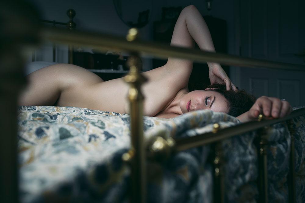 Joanna Woodward boudoir art nude series 'voyeur' © Tigz Rice Studios 2016. http://www.tigzrice.com