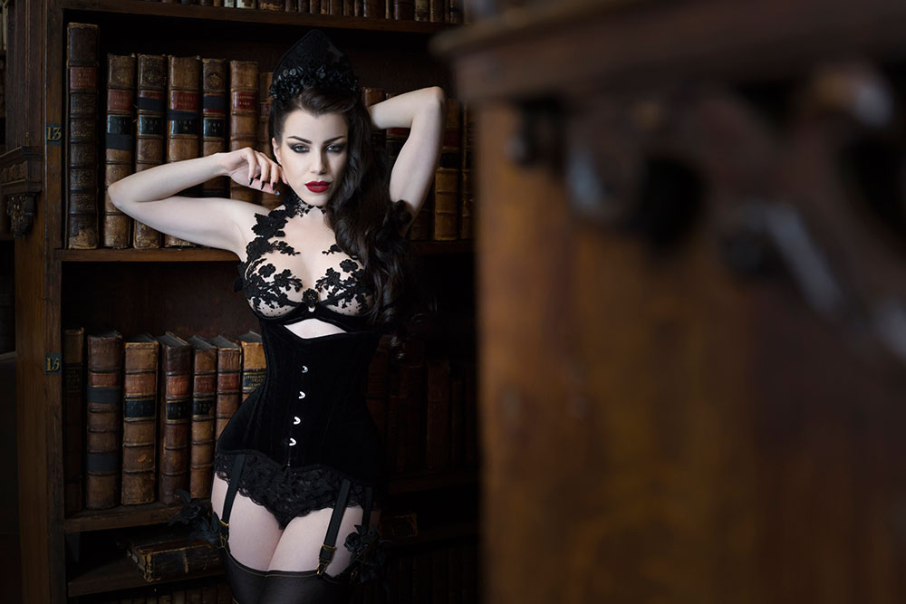 Morgana wearing Cristina Aelli at Oxford Conference Of Corsetry 2015