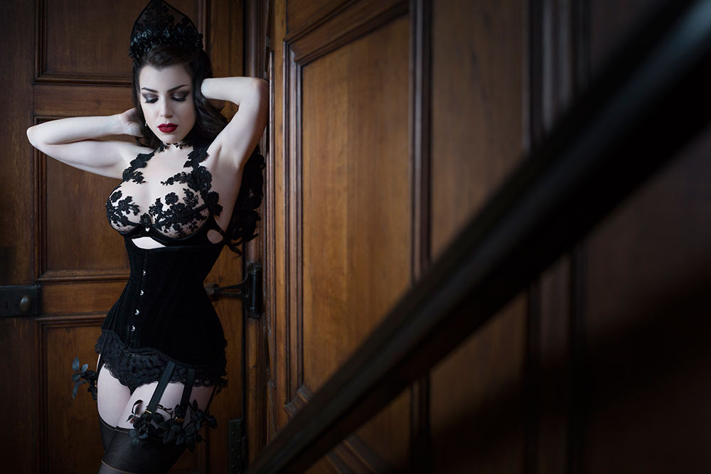 Morgana wearing Cristina Aielli at Oxford Conference Of Corsetry 2015