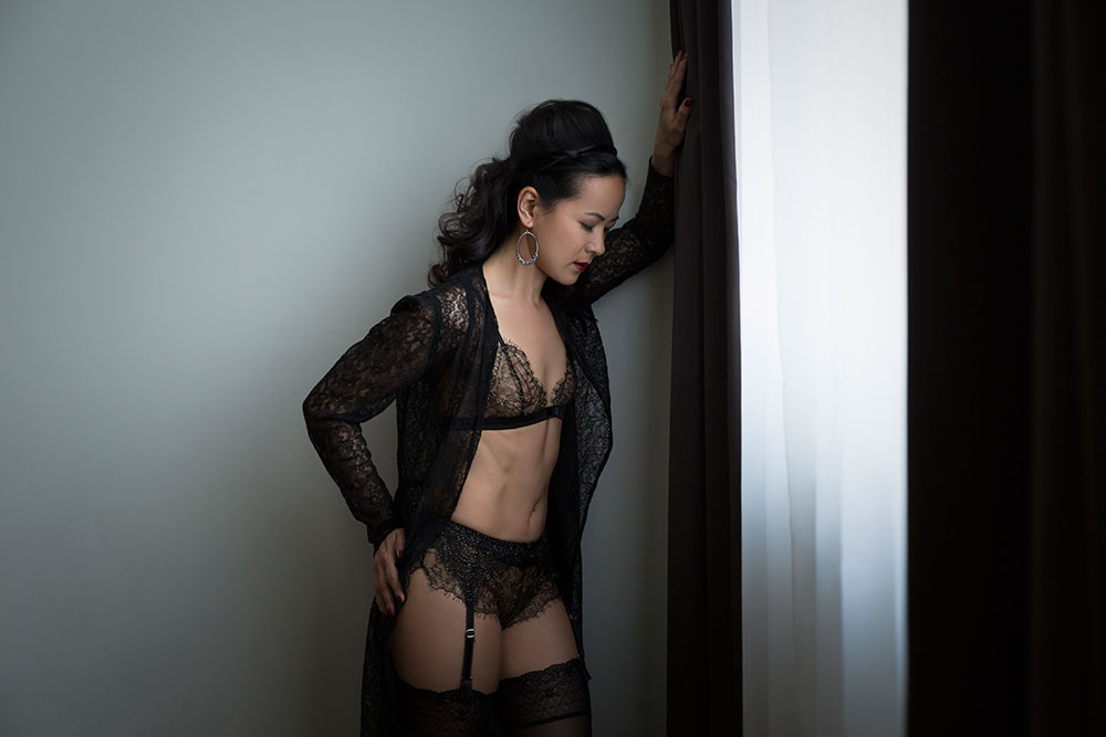 Town Hall Hotel Boudoir Shoot Bethnal Green with Burlesque Performer Silly Thanh © Tigz Rice Studios 2016