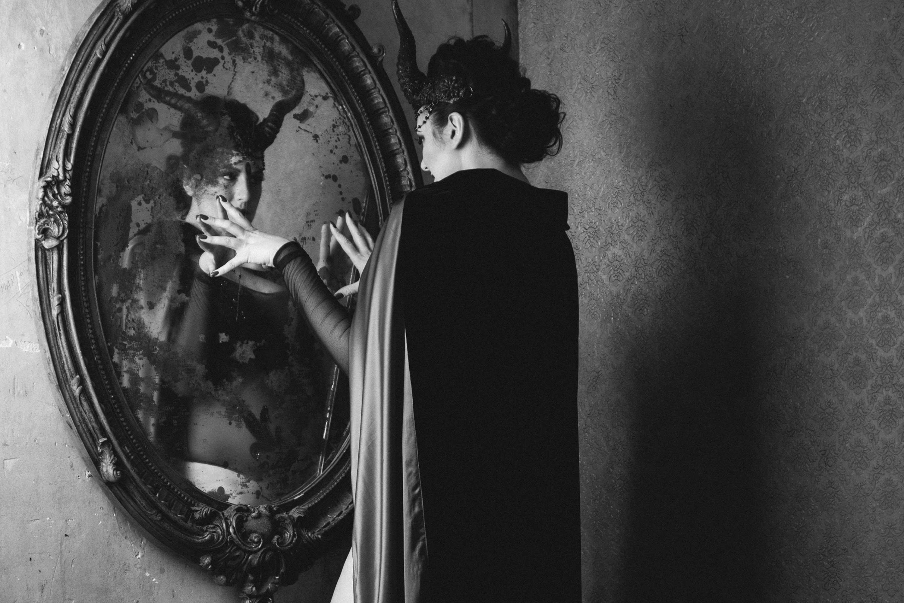 Lady May Den Voyage © Tigz Rice Studios 2016. https://www.tigzrice.com