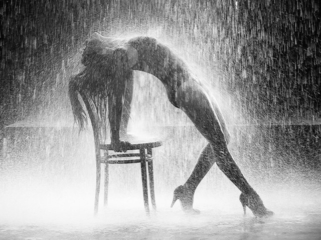Flashdance Water Pour Shot