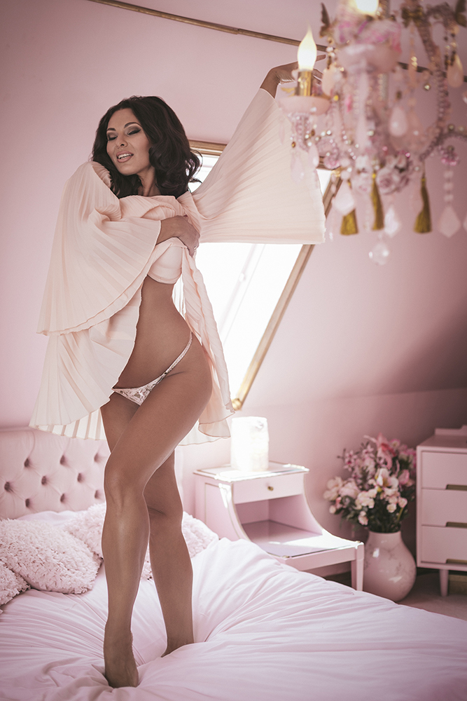 Immodesty Blaize Boudoir at Eaton House Studios | Tigz Rice Studios
