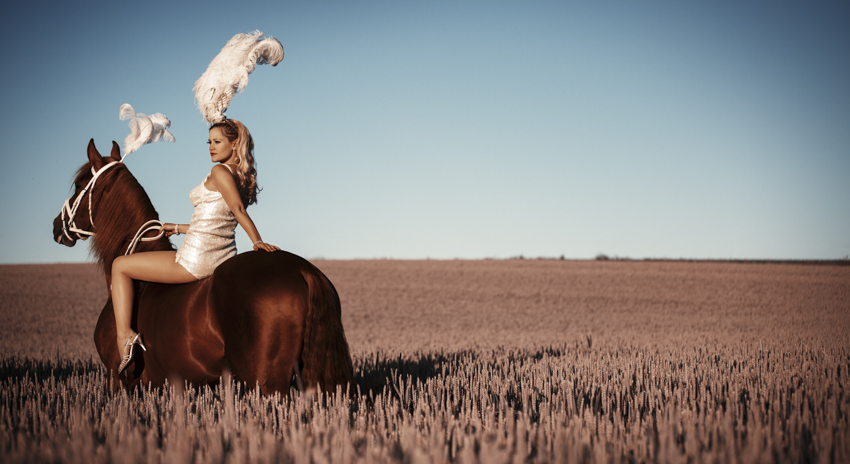 Equestrian Fashion Ruby Deshabille and Reducto © Tigz Rice Studios 2014. https://www.tigzrice.com